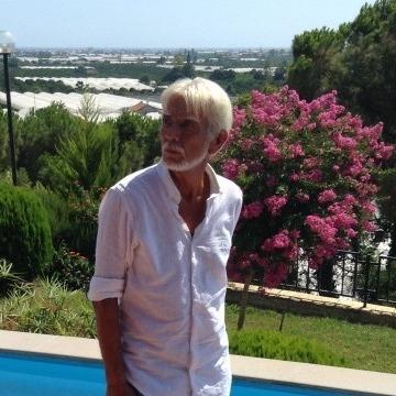 Özer Özakman, 65, Istanbul, Turkey