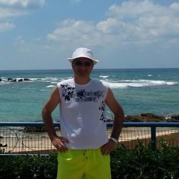 Baruch, 41, Tel Aviv, Israel