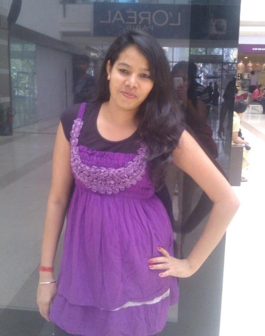 Himani Dhami, 29, Ni Dilli, India
