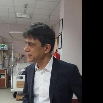 Niko Varyemez, 44, Izmir, Turkey