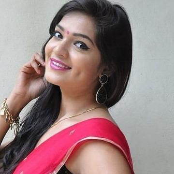 Neha Sexana, 25,
