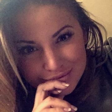 Shelby Wilson, 33, Owensboro, United States
