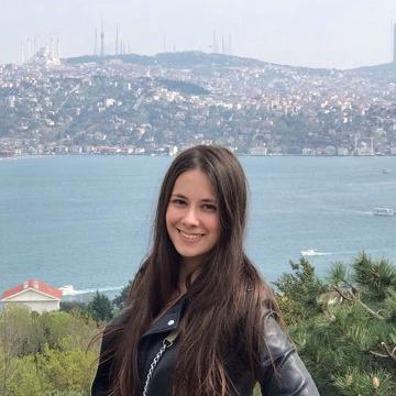 Nadiia, 24,