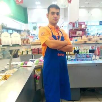 Ali Sewen, 27, Antalya, Turkey