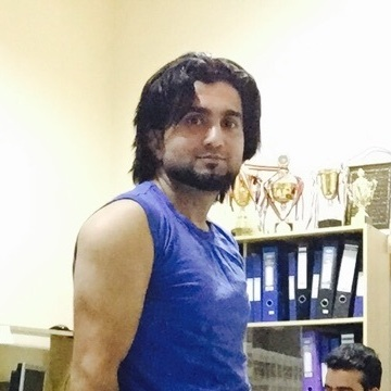 Nomi Kashmiri, , Dubai, United Arab Emirates