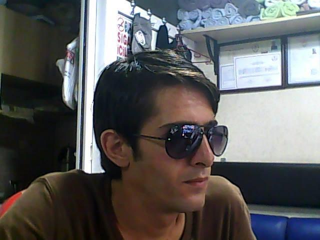 alihan, 31, Izmir, Turkey