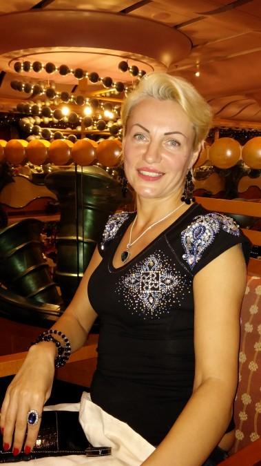 ALLA, 44, Brooklyn, United States