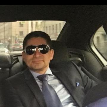 Zav Sarkisyan, 36, Los Angeles, United States