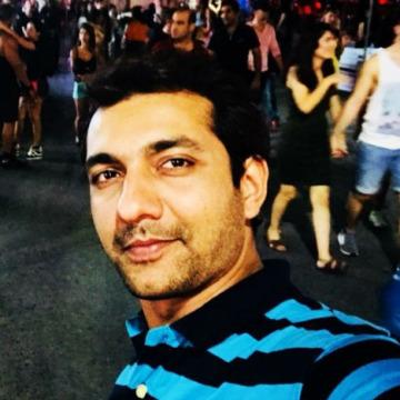 Sarang Pattalwar, 30, Nagpur, India