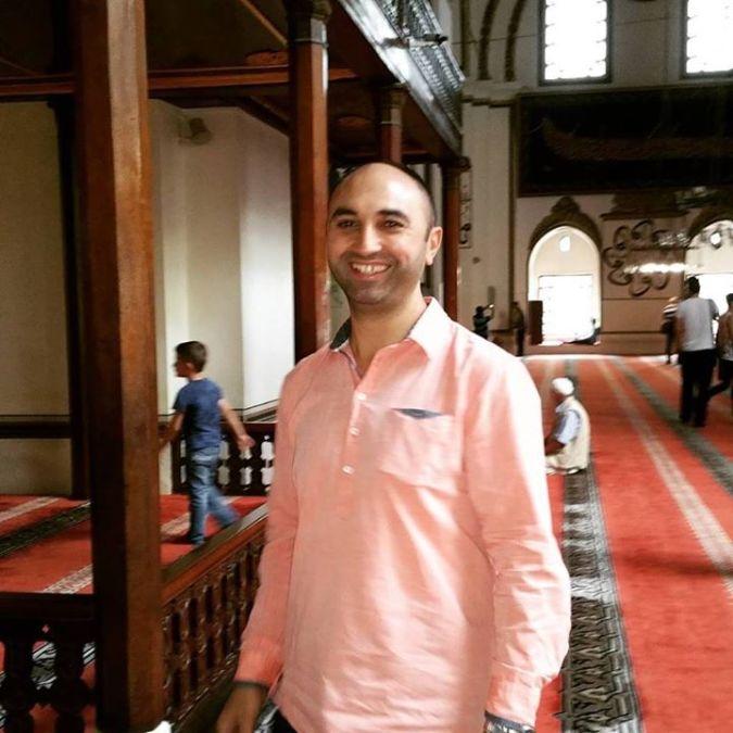 Osman Erbek, 47, Bursa, Turkey