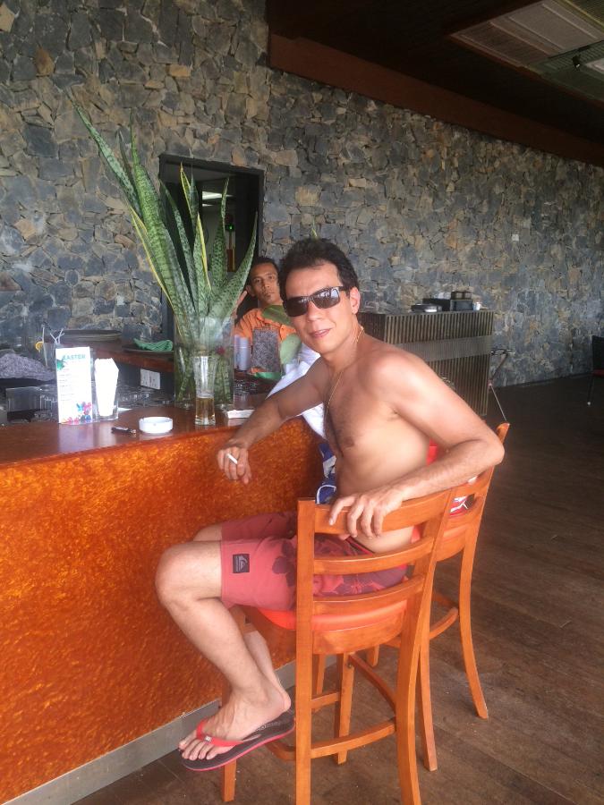 Mohamed, 36, Singapore, Singapore