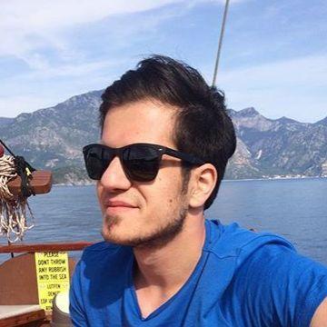 Yarkın Güloğlu, 25, Izmir, Turkey