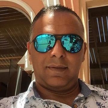Amr, 50, Kuwait City, Kuwait
