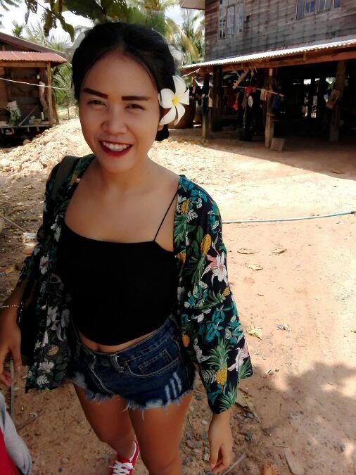 Jaruwan, 25, Bangkok, Thailand