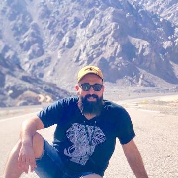 Haythm, 36, Dubai, United Arab Emirates