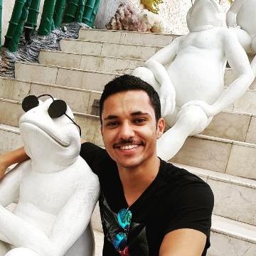 Hamza, 27, Jeddah, Saudi Arabia