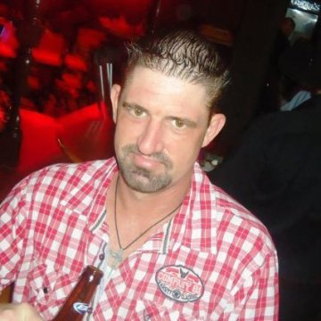Richie  Priest, 40, Bakersfield, United States