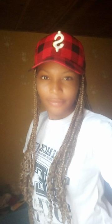 Steph, 21, Abuja, Nigeria