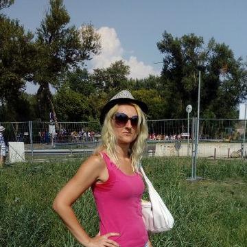Vesna Petrovic, 51, Belgrade, Serbia