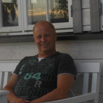 Gunnar Strøm, 60, Brumunddal, Norway