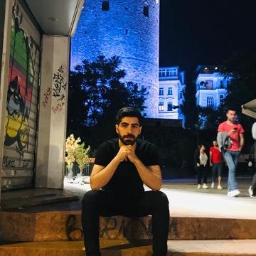 Hasan Gzc, 28, Istanbul, Turkey