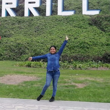 Andreina Ninacour, 23, Miraflores, Peru