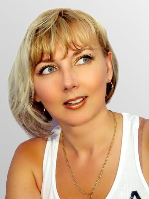 Vika, 47, Dnipro, Ukraine