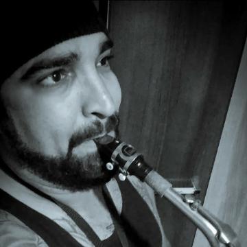Jhames Santos, 29, Itapevi, Brazil