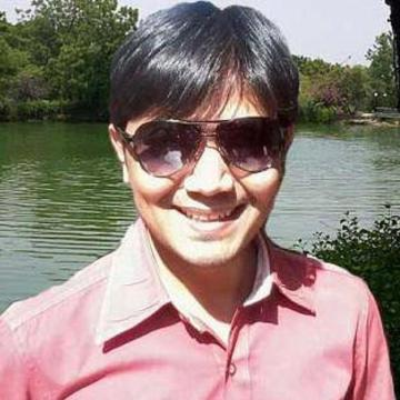 Krish Lacter, 33, Ahmadabad, India