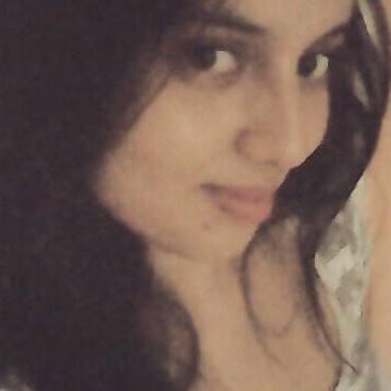Âlaa Oussaifi, 26, Sousse, Tunisia