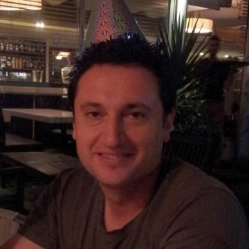 Philip Pinelis, 41, Tel Aviv, Israel