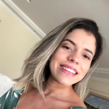 Daila Manuella, 22, Rio de Janeiro, Brazil