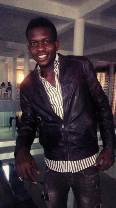 BROWN, 35, Dakar, Senegal