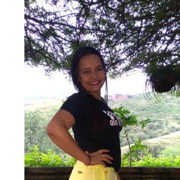Luciana, 29, Cali, Colombia