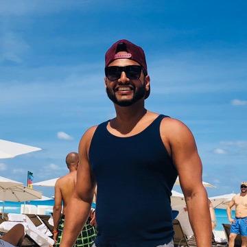Avi Singh, 36, Toronto, Canada