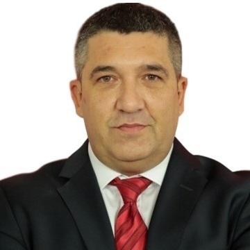 Kayra Kan, 47, Istanbul, Turkey
