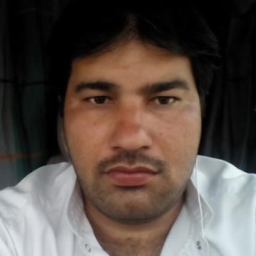 Azmat, 35, Abu Dhabi, United Arab Emirates