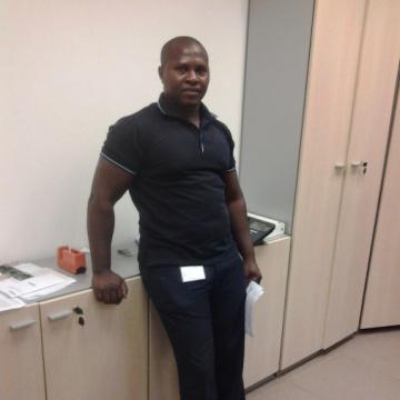 Domingos Muenho, 40, Luanda, Angola