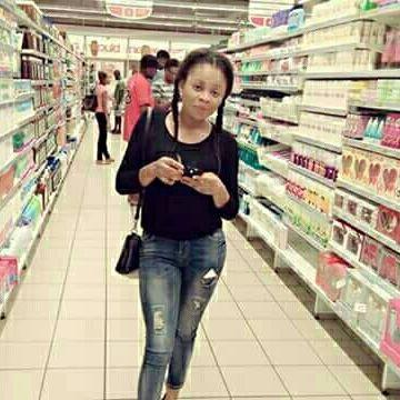 Claudia horta, 28, Dakar, Senegal