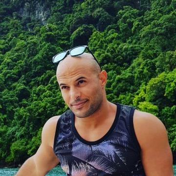 Nusari, 35, Dubai, United Arab Emirates