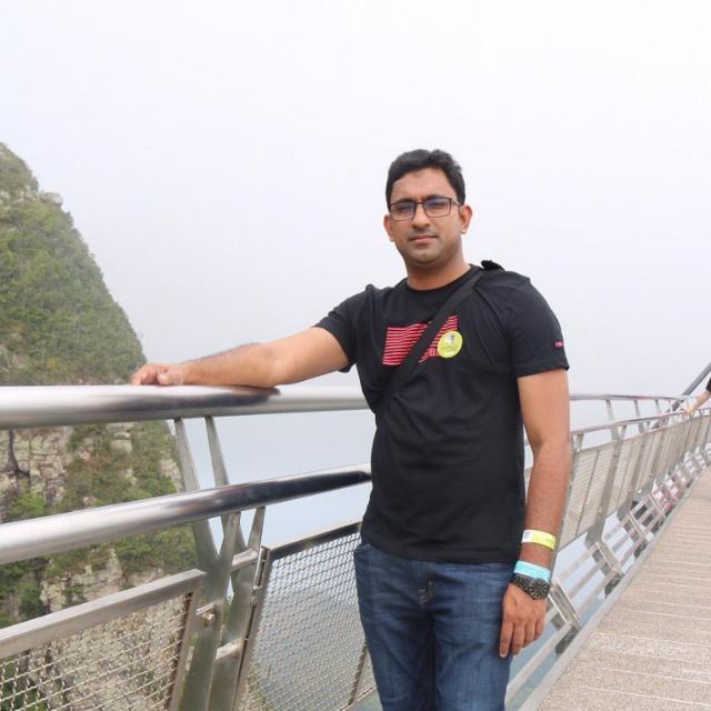 Hassan, 34, Dubai, United Arab Emirates