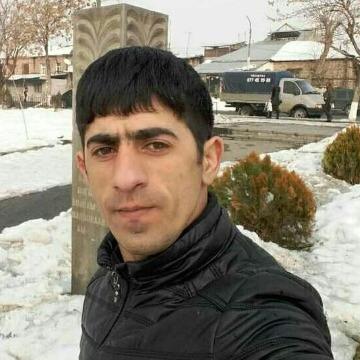 Varujan, 32, Yerevan, Armenia