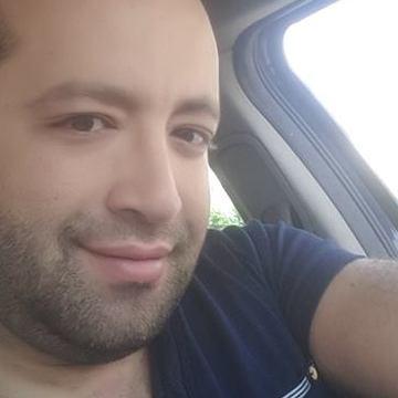 Kayce Zidi, 37, Tunis, Tunisia