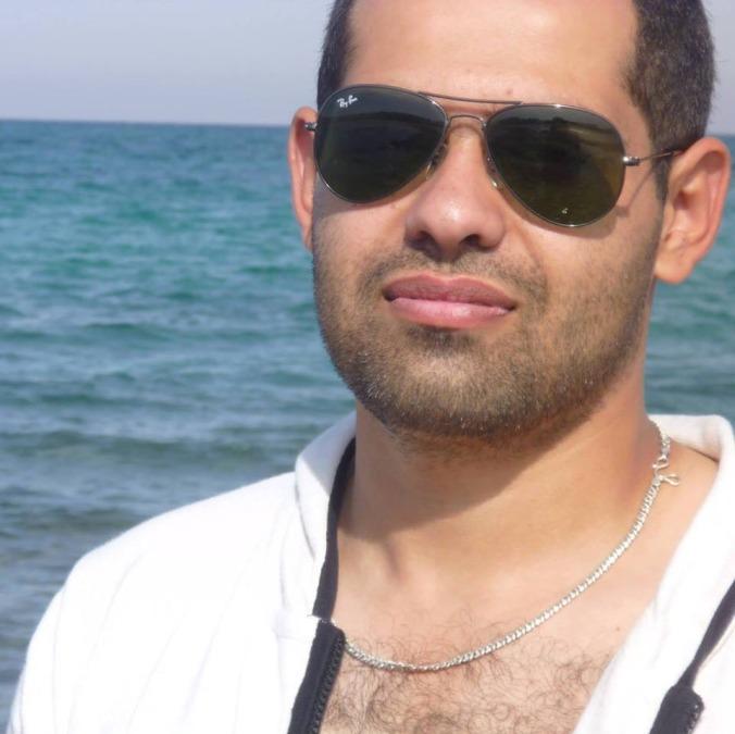 Yomo, 34, Doha, Qatar