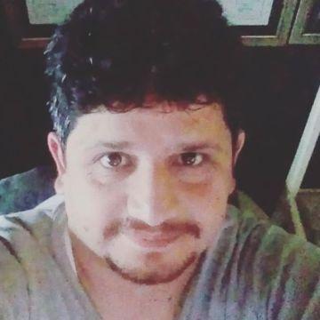 Tolga Özgökhan, 36, Balikesir, Turkey