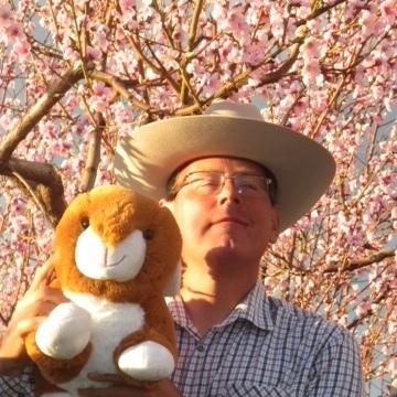 Robert, 49, Kelowna, Canada