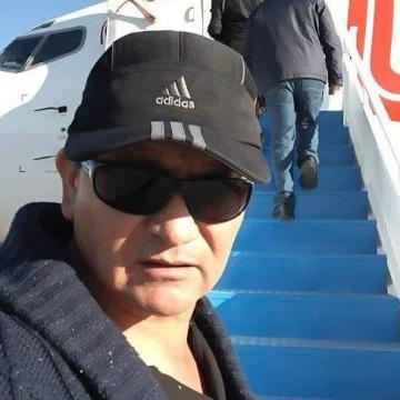 Roberto Oz, 54, Arequipa, Peru