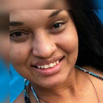 Viviane, 25,