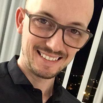 Vagner, 35, Lajeado, Brazil