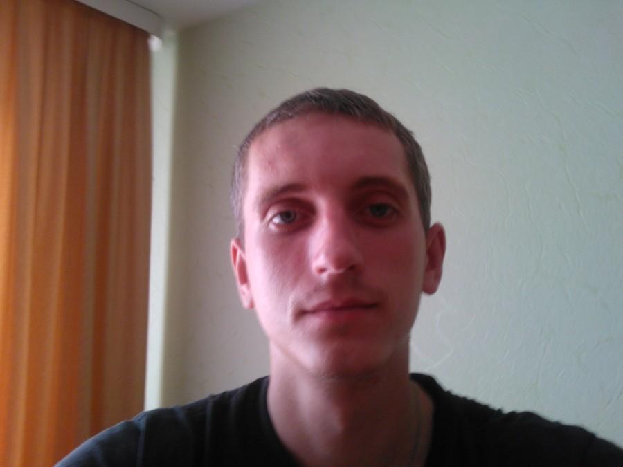 Дима, 36, Homyel, Belarus